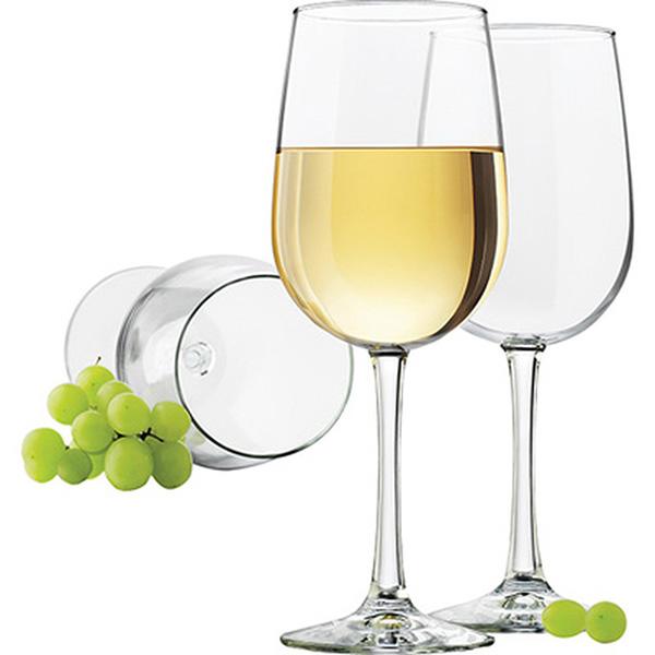 Ly uống với rượu vang trắng