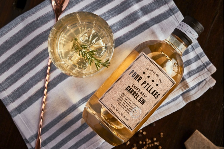 Rượu Four Pillars Barrel Aged Gin