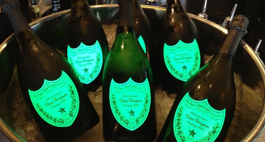 Rượu Champagne Dom Perignon Luminous – Dom Đèn Phát Sáng