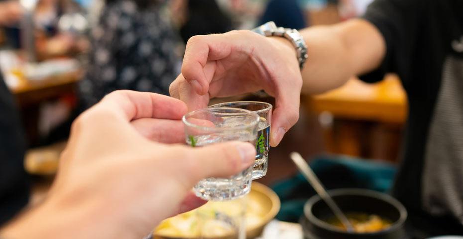 Cách thưởng thức rượu Soju